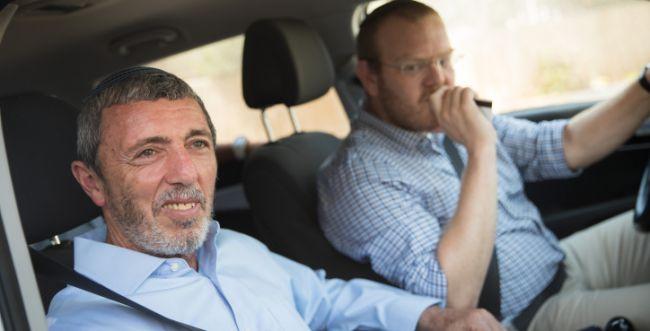 הבית היהודי הציע לעיתונאי הסרוג מקום גבוה ברשימה