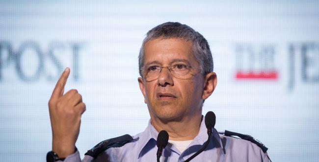 נחשף: זהו היועץ של גנץ לענייני תכנית המאה