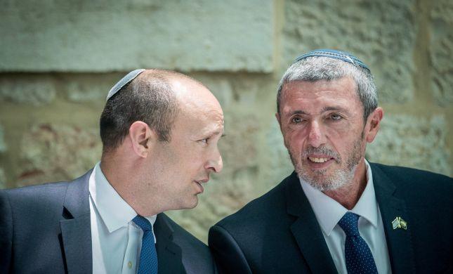 """בכיר בבית היהודי: """"הרב רפי לא יתפטר עבור מוטי יוגב"""""""