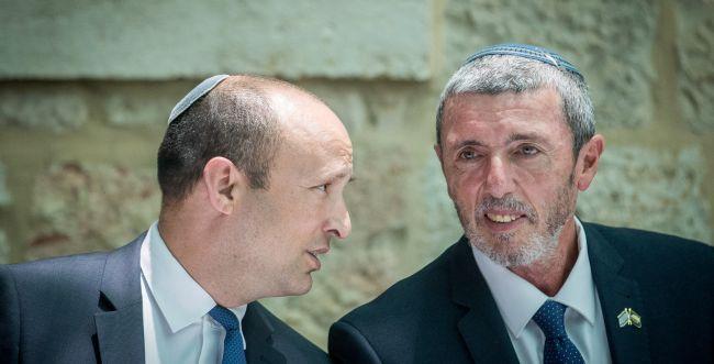 """הסתיימה הפגישה עם רה""""מ, הרב רפי ובנט יצאו לכנסת"""