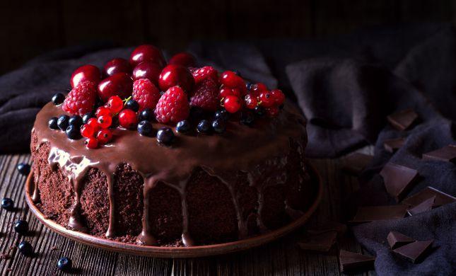הפתרון המתוק לסופה: עוגת שוקולד מ-2 מרכיבים