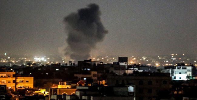 שני שיגורים מעזה לישראל, טנקים תקפו עמדות חמאס
