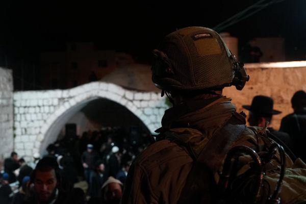 2,000 יהודים עלו הלילה לקבר יוסף; מטען נוטרל בסמוך לקבר