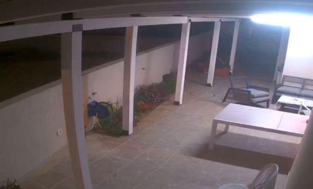 רקטה התפוצצה מטרים ספורים מבית בשדרות. צפו