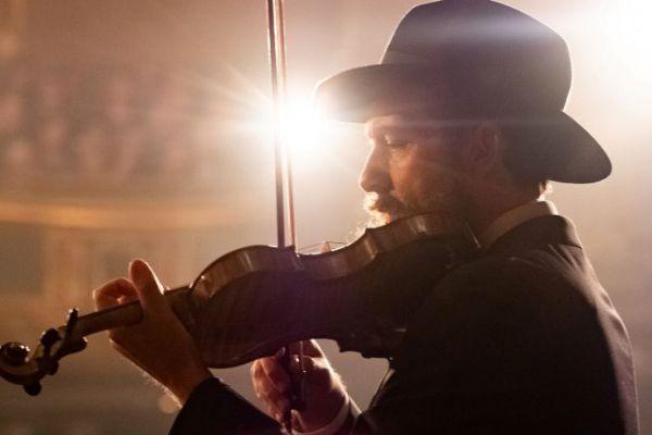 ביקורת סרטים: שיר השמות • סרט חובה לכל יהודי