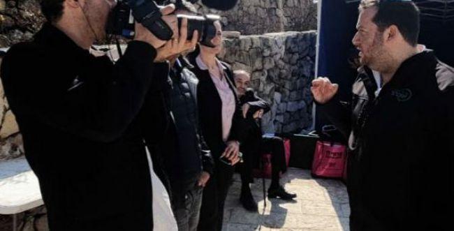 """צפו: דגן בעימות עם עיתונאי צרפתי: """"לוותר על פריז"""""""