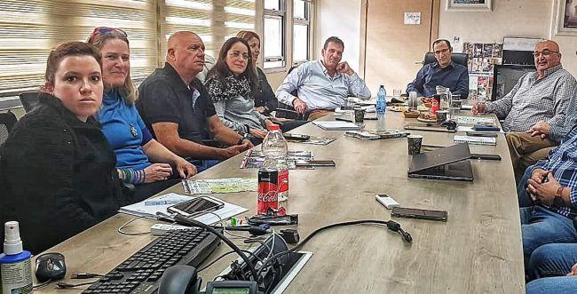 נוהרים לדרום: גמלאים יעזרו לכלכלת עוטף עזה