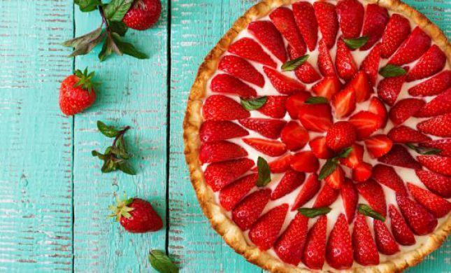 החיים תותים: זו העוגה שתשמחו להכין השבת