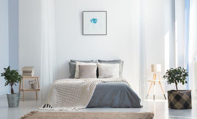 לשדרג בכיף: 8 טריקים פשוטים לעיצוב חדר השינה
