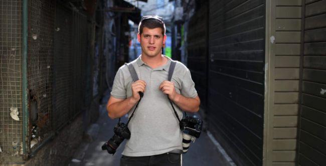 """אלימות נגד צלם סרוגים: """"יא מלשין, נגיע אליך"""""""