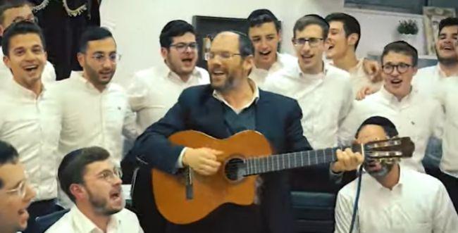 היישר מהתוספות: אהרן רזאל במשלוח מנות מוזיקלי