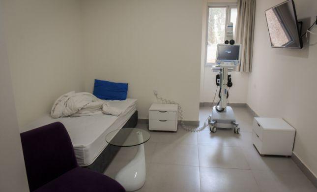 חולה קורונה אותר בי-ם: אלה המקומות בהם ביקר