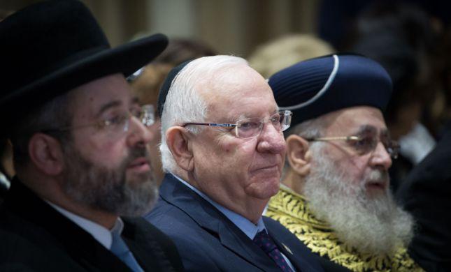 נדבקים בבתי כנסת? הרבנים הראשיים מוציאים הבהרה