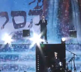 """מופע, תרבות צפו: אברהם פריד בביצוע מקפיץ ל """"על הסלע הך"""""""