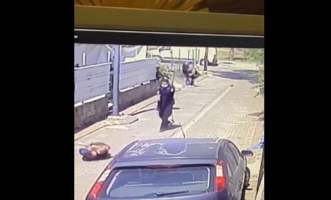 קשה לצפיה | דקר שוטר ונורה למוות מטווח קצר