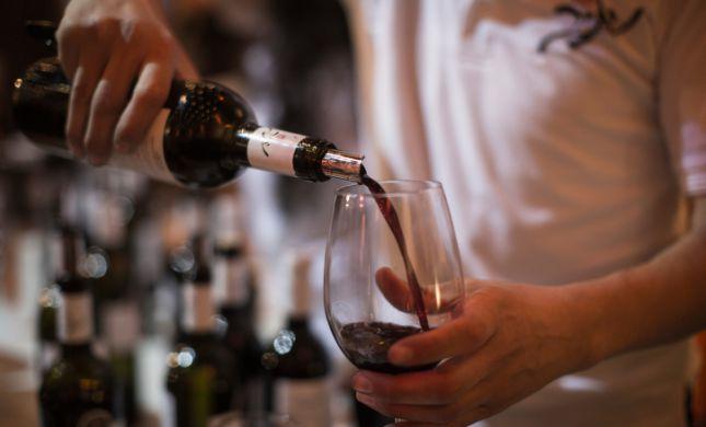 4 כוסות בהידור: מבחר יינות טובים לחג
