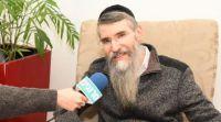 אמנות, תרבות מסר של אחדות: הזמר אברהם פריד קורא לקנות אותיות בספרי תורה