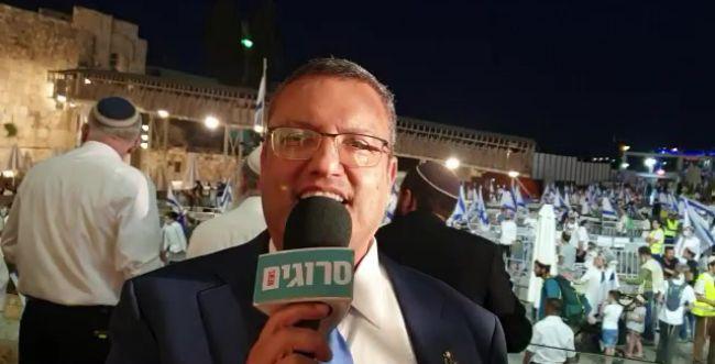 """ראש העיר ירושלים לסרוגים: """"שמח לראות גם קומץ קטן"""""""