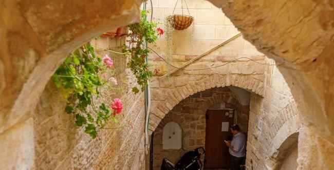 דווקא השנה בונים את הנצח: גואלים בתים בירושלים
