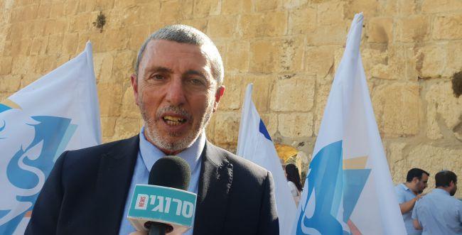 """השר רפי פרץ לסרוגים: """"יום מיוחד, נשקיע בירושלים"""""""