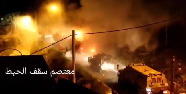 """תיעוד: עשרות בקבוקי תבערה לעבר כוחות צה""""ל"""