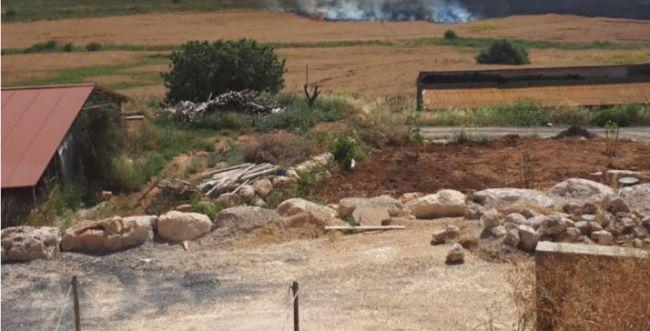 להבות סמוך לבתים; כבישים נחסמו; שריפות ברחבי הארץ