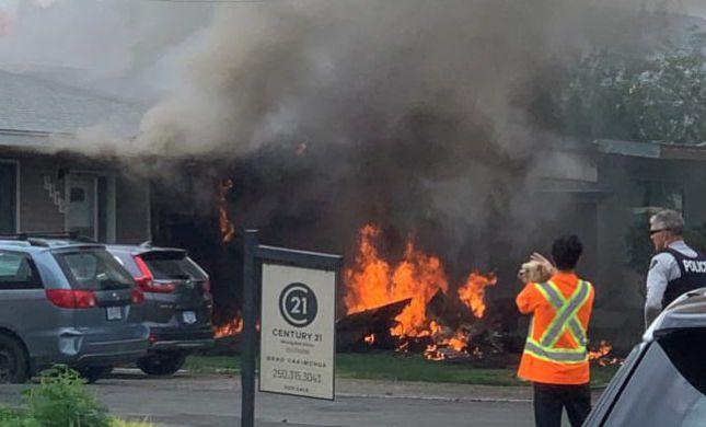קנדה: מטוס התרסק על בית בזמן מטס הצדעה לרופאים