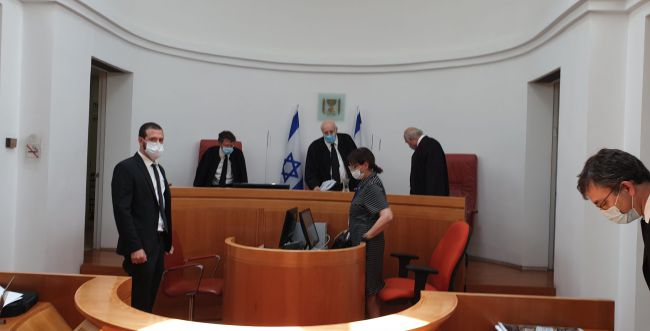 """בג""""צ הריקודגלים: השופט מלצר מציע להגיע לפשרה"""