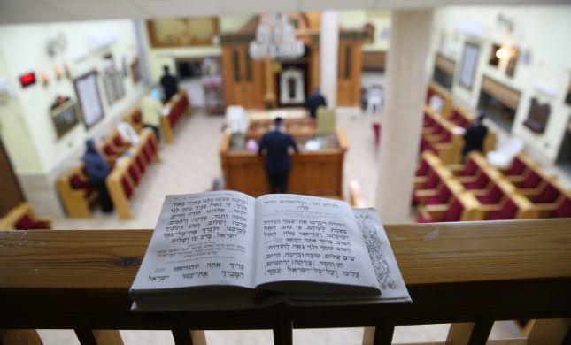 במשטרה מבהירים: האכיפה על בתי הכנסת נמשכת