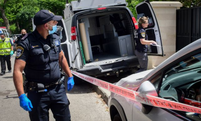 אדם בן 60 נורה למוות בשוק בעיר מעלות