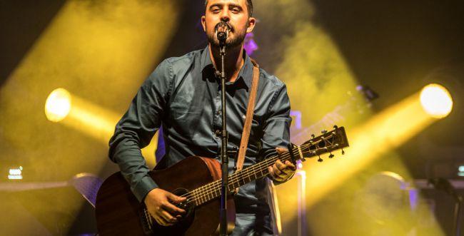 צפו: כוכב 'בית ספר למוסיקה' ריגש את ישי ריבו