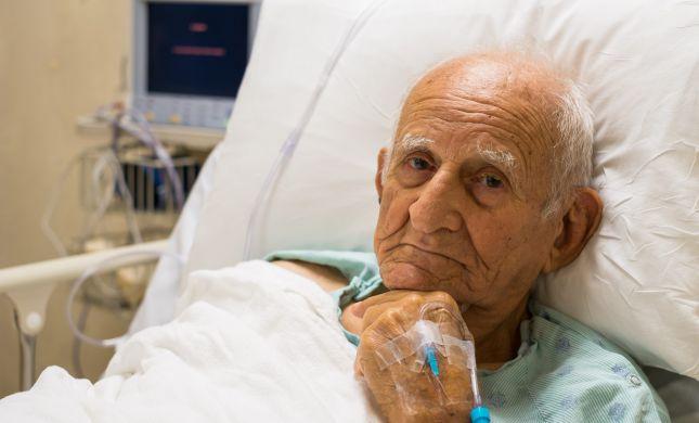 צפו בדיון: טיפול בחולה צעיר מול זקן - מי קודם למי?