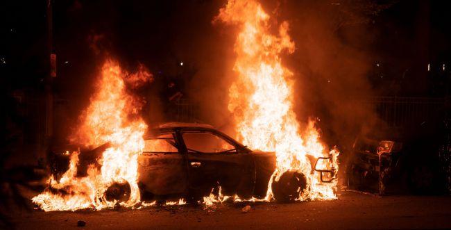 """מהומות בארה""""ב: עשרות שוטרים ומפגינים נפצעו - סרוגים"""