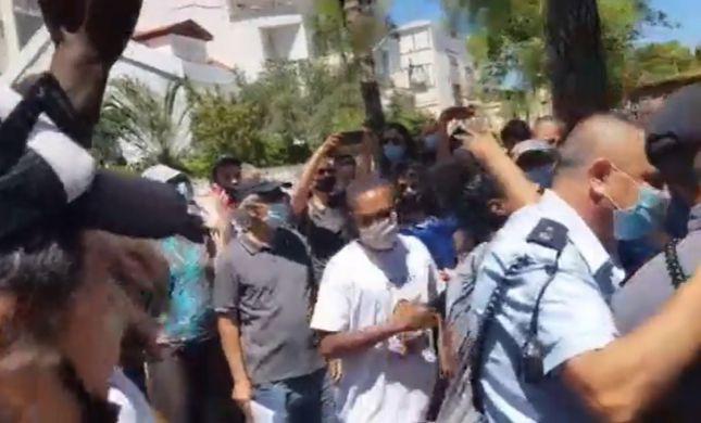 צפו: השופט סייר בזירת הירי; עימותים התפתחו במקום