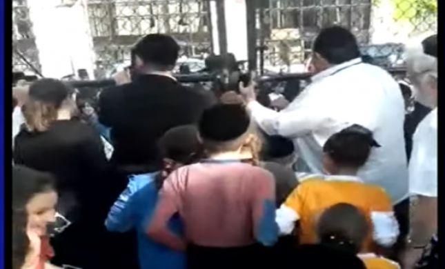 מחאה בברוקלין: חרדים פרצו לתוך מגרש המשחקים