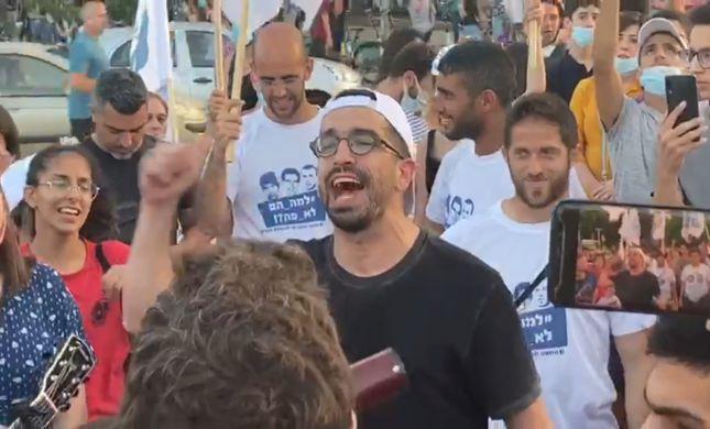 צפו: חנן בן ארי הפתיע את תושבי תל אביב