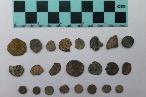 ממצאים ארכיאולוגים שנגנבו על ידי שודדי עתיקות הוחזרו