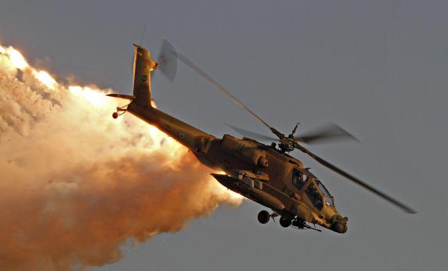 צפו: מסוק אפאצ'י מטייסת מסוקי הפתן בתצוגה