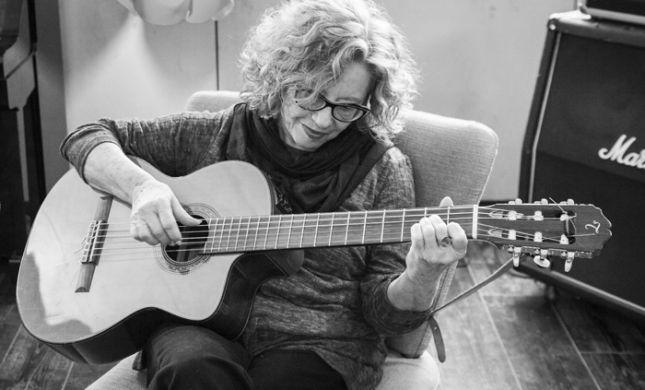 """""""השיכחה הופכת לברכה"""": חוה אלברשטיין חוזרת בסינגל חדש"""