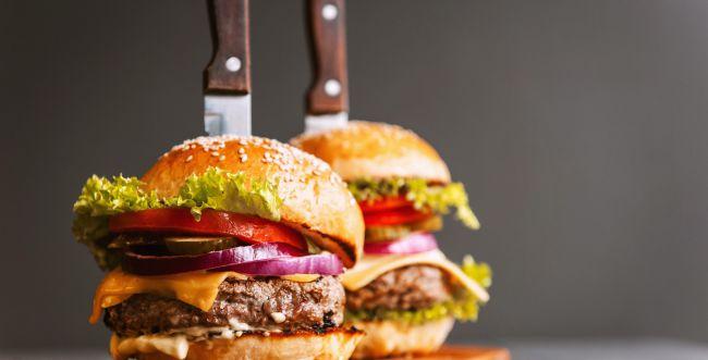 צ'יזבורגר כשר: כך תכינו המבורגר טעים (וצמחוני!)