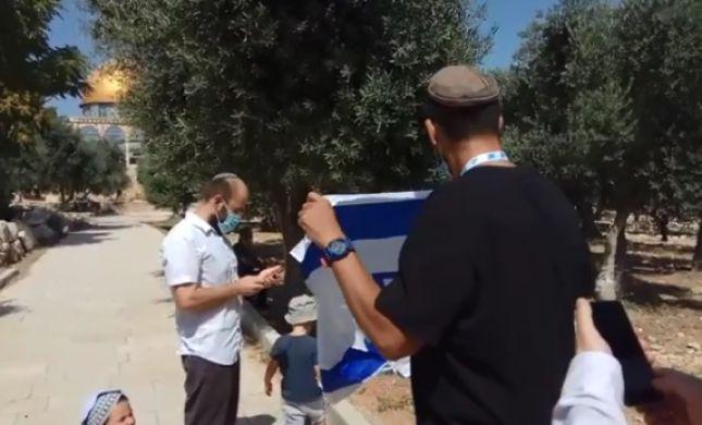 בעיצומו של תשעה באב: דגל ישראל הונף בהר הבית