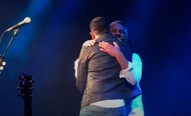 צפו: הרגע שאביתר בנאי קלט את חנן בן ארי בקהל