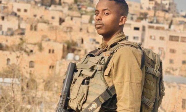 """מח""""ט גולני העניק תעודת הערכה ללוחם שחילץ ערבי בחברון"""