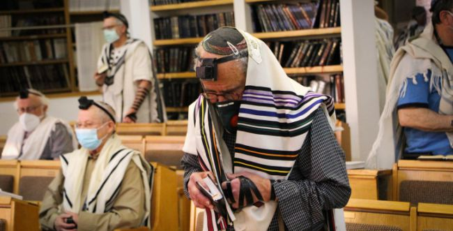 כמה נדבקו בבתי הכנסת ואיפה נדבקו הכי הרבה?