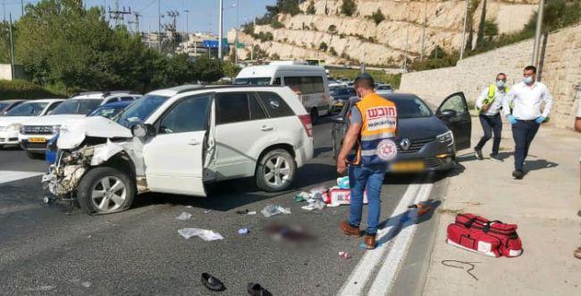 4 פצועים בתאונת דרכים בירושלים, אחד במצב קשה