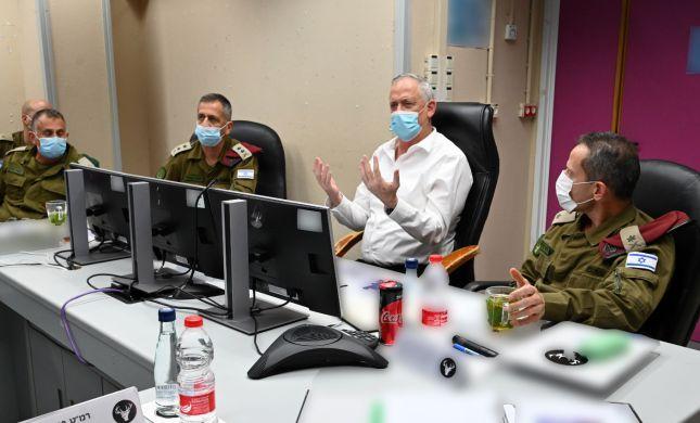 """גנץ בצפון: """"ישראל תדרוש אחריות מסוריה ולבנון"""""""