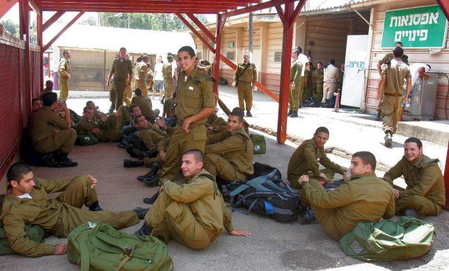 בשורה לחיילים: החל מהיום שירות החובה מתקצר