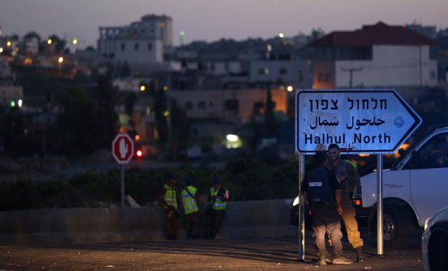 יהודים נכנסו לכפר חלחול, הותקפו וחולצו על ידי ערבים