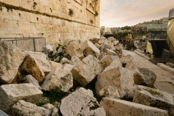 יותר מתשובה אחת: מתי בדיוק נחרב בית המקדש?