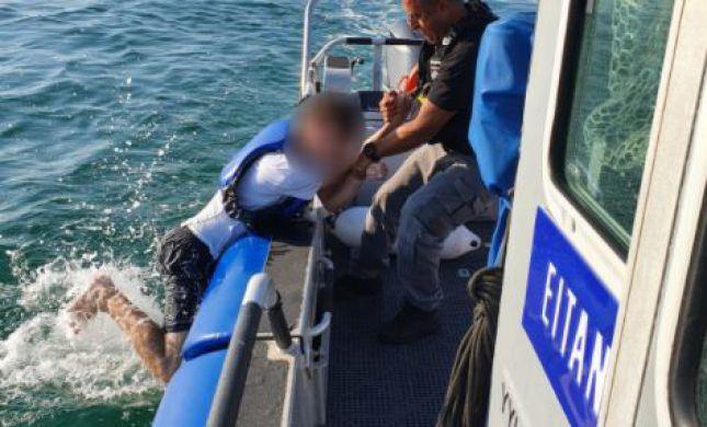 אותר באפיסת כוחות: בן 19 נסחף לעומק הים בהרצליה